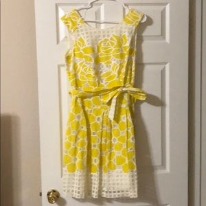 Cute yellow dress with bow to cinch in waist
